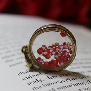 Free-Flowing Red and Pink Bead Pendant